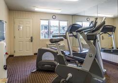 品质酒店 - 半月湾 - 健身房