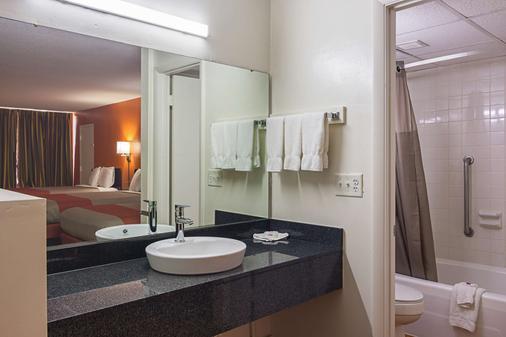 田纳西克里夫兰 6 号汽车旅馆 - 克利夫兰 - 浴室