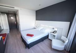 奥克斯斐瑞拉酒店 - 马德里 - 睡房