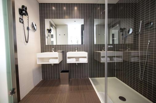奥克斯斐瑞拉酒店 - 马德里 - 浴室