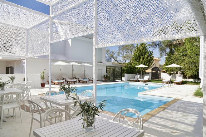 拉可康图精品设计酒店(仅限成人) - 帕尔加 - 游泳池