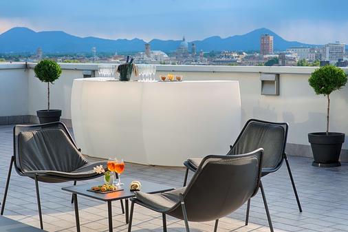 Nh帕多瓦酒店 - 帕多瓦 - 阳台