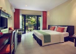 萨努尔美居度假酒店 - 登巴萨 - 睡房