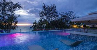 长滩岛住宅区酒店 - 长滩岛 - 游泳池