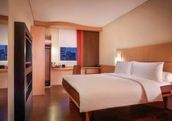 宜必思泗水市中心酒店 - 泗水 - 睡房