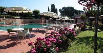 索威斯托酒店 - 圣吉米纳诺 - 游泳池