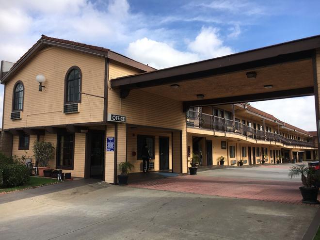 德尔阿莫旅馆 - 托伦斯 - 建筑