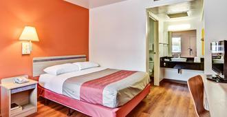 匹兹堡6号汽车旅馆 - 克拉夫 - 匹兹堡 - 睡房