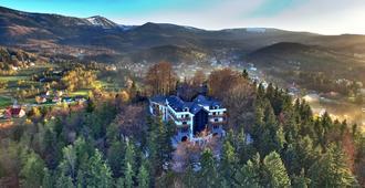教士山城堡酒店 - 卡尔帕奇 - 户外景观