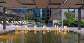 达玛克大厦庭院花园公寓式酒店 - 迪拜 - 游泳池