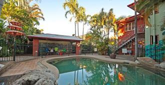 绿洲旅行者旅舍 - 凯恩斯 - 游泳池