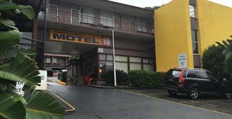 弗林德斯汽车旅馆 - 卧龙岗 - 建筑