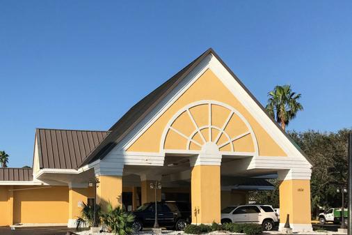 奥蒙德海滩伊克诺旅馆 - 奥蒙德海滩 - 建筑