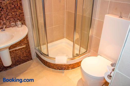 格兰德酒店 - 斯旺西 - 浴室