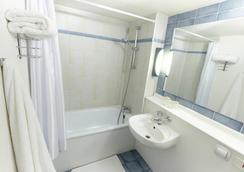 钟楼谢尔布格拉格拉塞利酒店 - 瑟堡 - 浴室