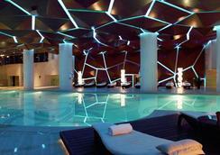 广州圣丰索菲特酒店 - 广州 - 游泳池