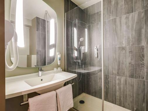 宜必思巴黎贝西乡村12eme酒店 - 巴黎 - 浴室