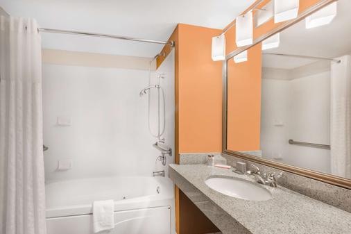 温德姆西门罗温盖特酒店 - 西门罗 - 浴室