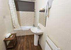 尼奥尔公园布里特酒店 - 尼奥尔 - 浴室