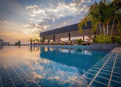 老挝诗人酒店 - 万象 - 游泳池
