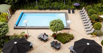 马斯特里赫特诺富特酒店 - 马斯特里赫特 - 游泳池