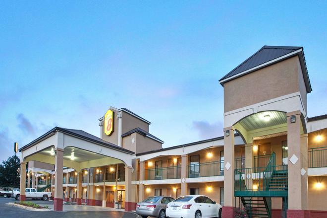 珍珠-杰克逊东速8酒店 - 珍珠城 - 建筑