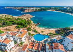 钻石度假村白沙海滩俱乐部酒店 - 埃斯·梅卡达尔 - 游泳池