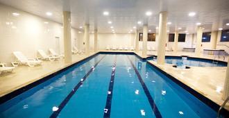 热带公寓酒店 - 弗洛里亚诺波利斯 - 游泳池