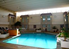 穆斯乔-喜来得会议中心酒店 - 穆斯乔 - 游泳池