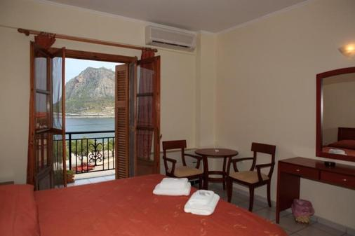 莫奈姆瓦夏普拉玛塔里斯酒店 - 莫奈姆瓦夏 - 睡房