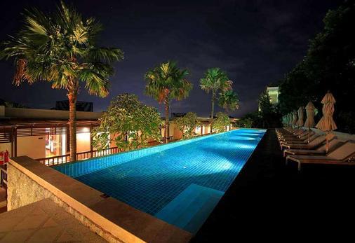 普吉岛温德姆海洋明珠酒店及度假村 - 芭东 - 游泳池