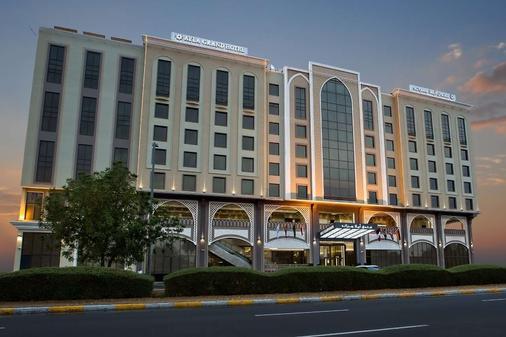 艾拉格兰德酒店 - 艾恩 - 建筑