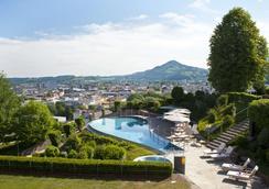 蒙切斯泰恩城堡酒店 - 萨尔茨堡 - 游泳池