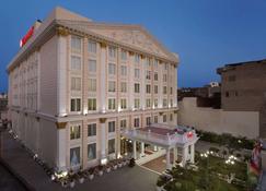 阿姆利则温德姆华美达酒店 - 阿姆利则 - 建筑