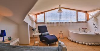 蚝式公寓 - 仅限成人 - 厄吕代尼兹 - 睡房