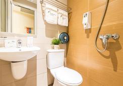 新加坡飞龙海景酒店 - 新加坡 - 浴室