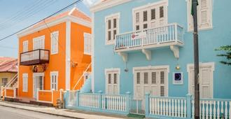 Poppy Hostel Curacao - 威廉斯塔德