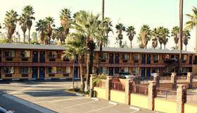 橙展汽车旅馆 - 圣贝纳迪诺 - 户外景观