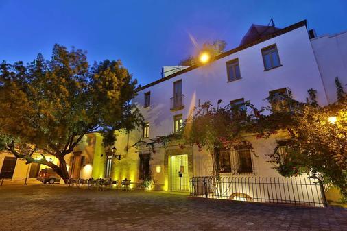 历史豪华贝利尼酒店 - 圣多明各 - 建筑