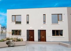 W8 村庄酒店 - Manorhamilton - 建筑