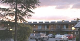 堪培拉红雪松汽车旅馆 - 堪培拉 - 建筑