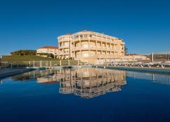 梅尔欧仁妮高尔夫酒店 - 比亚里茨 - 建筑