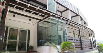 洛罗潘丁旅馆 - 爱妮岛 - 建筑