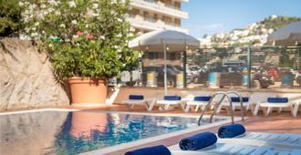 H 顶级夏日太阳酒店 - 圣苏珊娜 - 游泳池