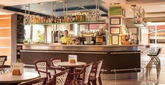 H 顶级夏日太阳酒店 - 圣苏珊娜 - 酒吧