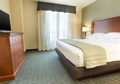 科罗拉多斯普林斯附近空军学院德鲁套房酒店 - 科罗拉多斯普林斯 - 睡房
