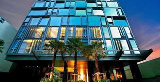 曼谷格乐丽雅10酒店 - 曼谷 - 建筑