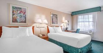 内华达里诺机场拉昆塔酒店 - 里诺 - 睡房