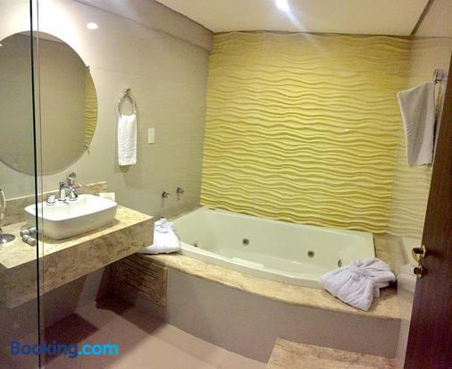 格兰大陆酒店 - 陶巴特 - 浴室
