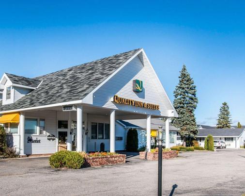 麦基诺城品质酒店及套房 - 麦基诺城 - 建筑